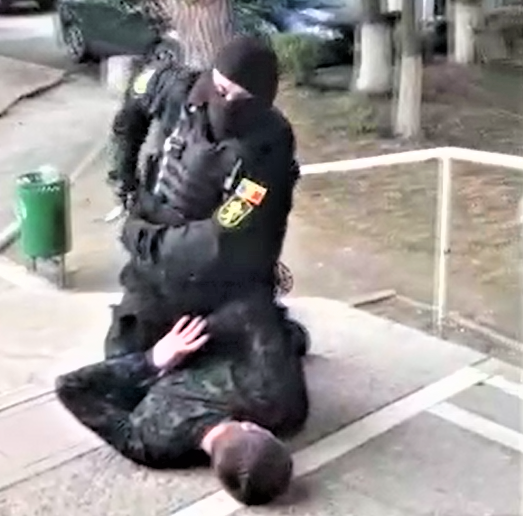 Банда псевдо-полицейских получила от жителя столицы 40 000 леев путём шантажа