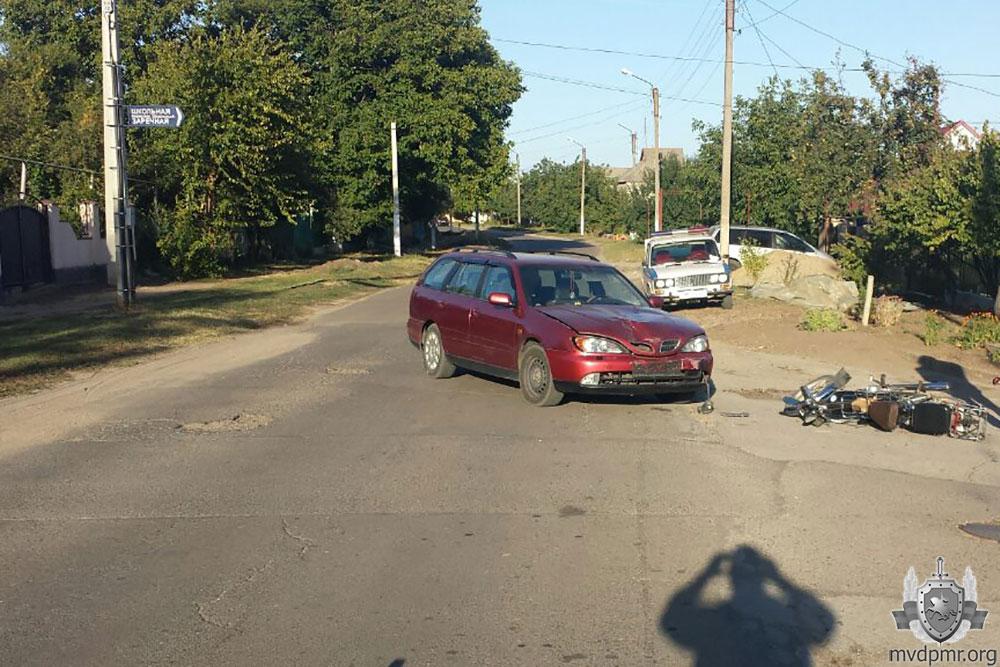 В Бендерах невнимательный водитель спровоцировал ДТП: пострадавший оказался в больнице (ФОТО)