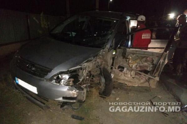 В Конгазе столкнулись легковушка и грузовик: машины всмятку (ВИДЕО)