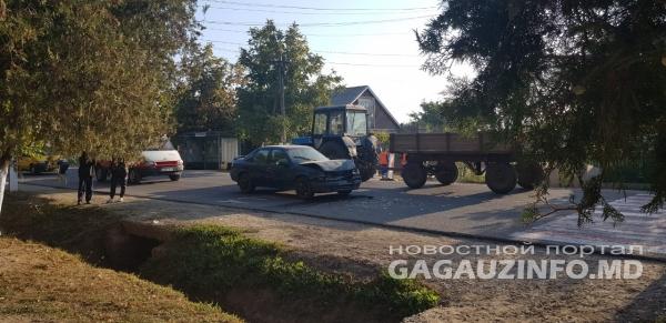 Утреннее ДТП в Кирсово: два автомобиля не поделили дорогу на пешеходном переходе