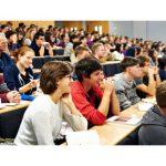 Более 900 студентов-контрактников в этом году перешли на бюджетные места