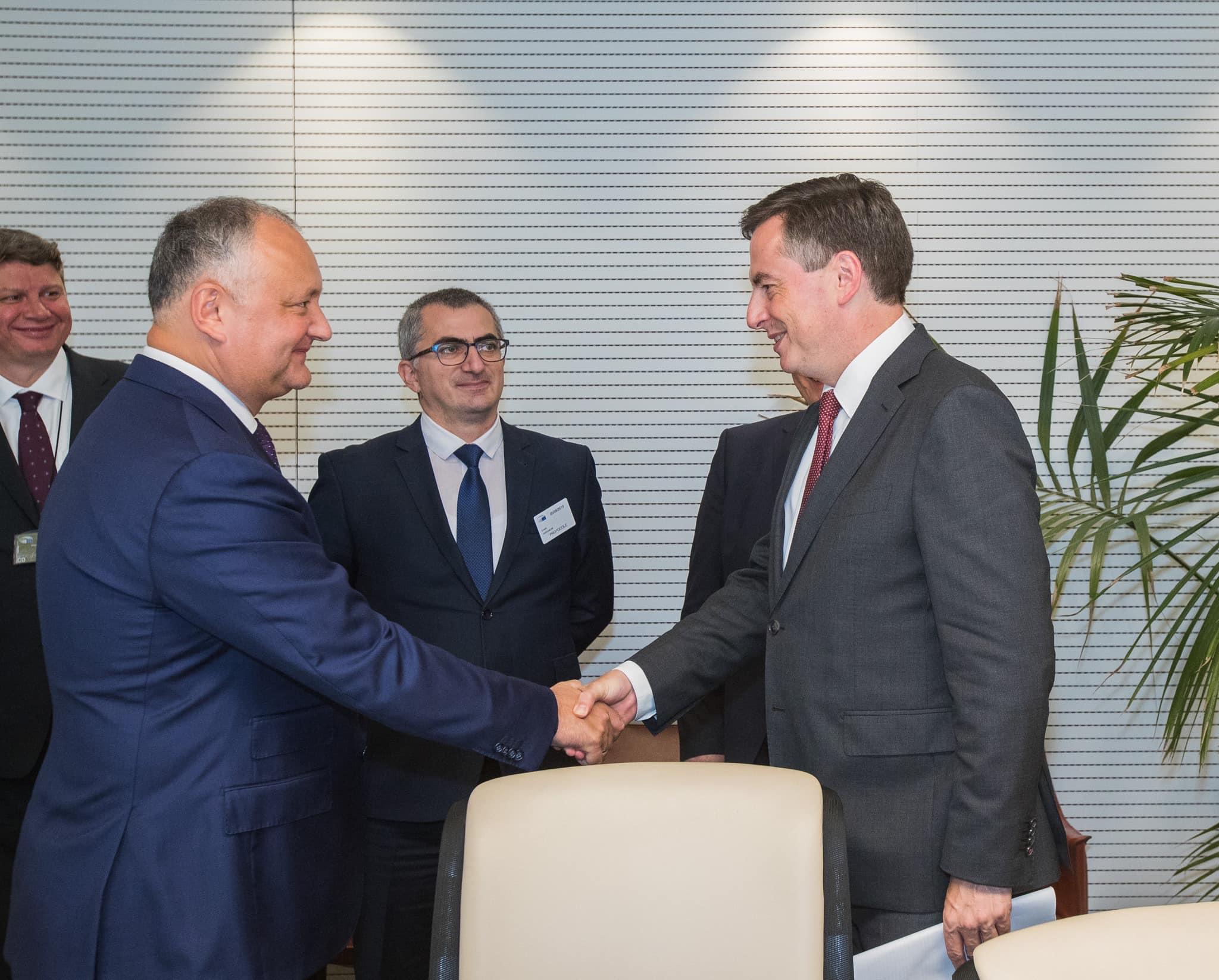 Додон: Молдова заинтересована в сохранении и развитии неформального партнёрства ЕС, РФ и США в нашей стране (ФОТО, ВИДЕО)