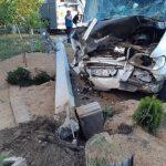 Врезался в дерево, а потом в столб: пострадавшего в страшном ДТП водителя госпитализировали (ФОТО)
