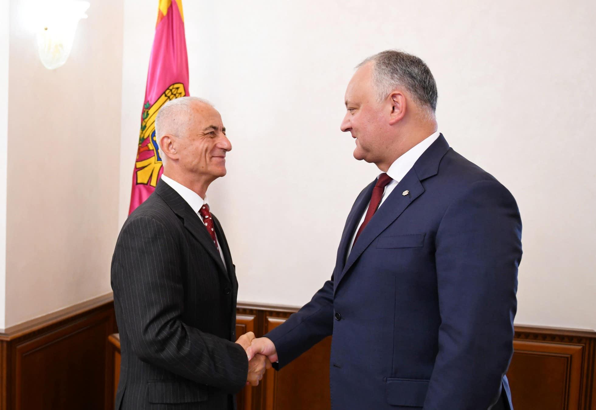 Президент наградил Орденом Республики молдавского чемпиона мира по шашкам (ФОТО, ВИДЕО)