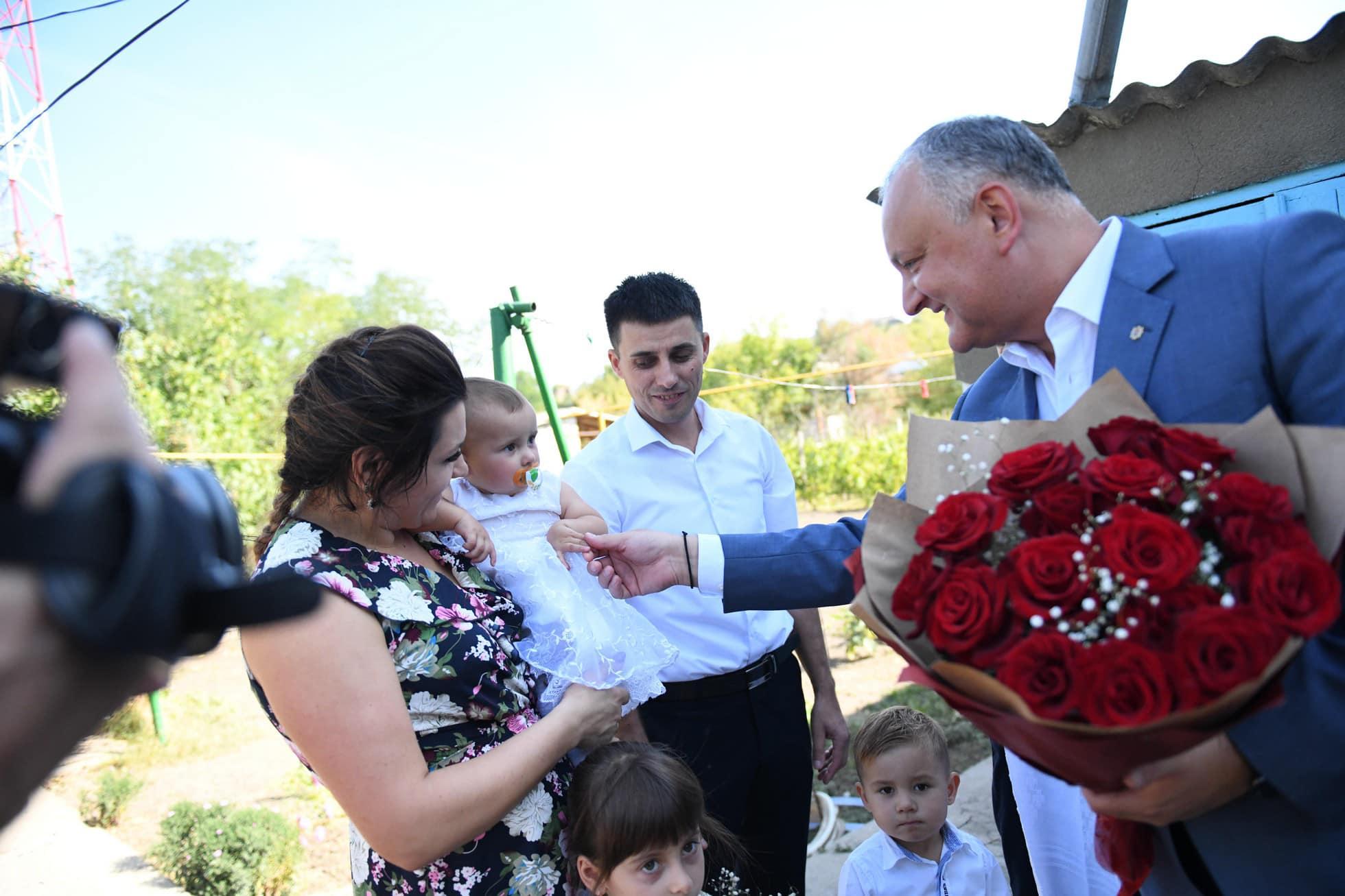 Игорь Додон – первый молдавский политик, который начал системно оказывать поддержку материнству и детям, – Односталко