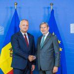 Додон встретился с еврокомиссаром по политике добрососедства (ФОТО, ВИДЕО)