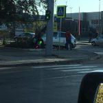 ДТП на Скулянке: водитель врезался в опору светофора