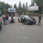 Авария с участием мотоцикла и такси произошла на Буюканах (ФОТО)
