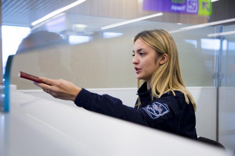 В кишинёвском аэропорту иностранец предъявил фальшивый паспорт (ФОТО)
