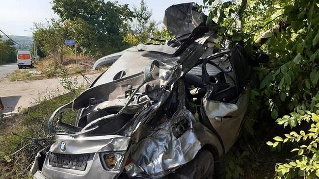 Машина всмятку: в Трушенах произошло жуткое ДТП, два человека госпитализированы (ФОТО)