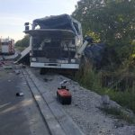 Автоцистерна превратилась в гору металла после аварии в Фалештах: два человека госпитализированы (ФОТО)