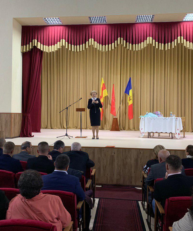 Бурными аплодисментами и стоя: как встречали Зинаиду Гречаный в Единцах и в Бричанах (ВИДЕО, ФОТО)