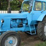 Угнал трактор, чтобы покорить девушку: в приключениях работника фермы разбираются правоохранители