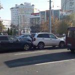 Цепная авария на Ботанике: столкнулись 4 автомобиля