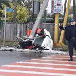 В Кагуле автомобиль разорвало на две части после удара об столб: водителя спас ремень безопасности (ФОТО)