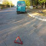 В Бендерах пьяный велосипедист влетел в маршрутное такси и попал в больницу (ФОТО)