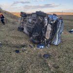 В Теленештах перевернулся микроавтобус: 17 человек госпитализированы (ФОТО)