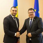 Генеральный секретарь парламента провел встречу с главой делегации ЕС в РМ