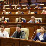 Члены Национального совета учащихся посетили Парламент Республики Молдова