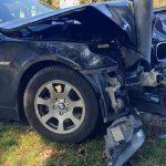 Серьёзная авария в столице: BMW врезался в рекламное панно (ФОТО)