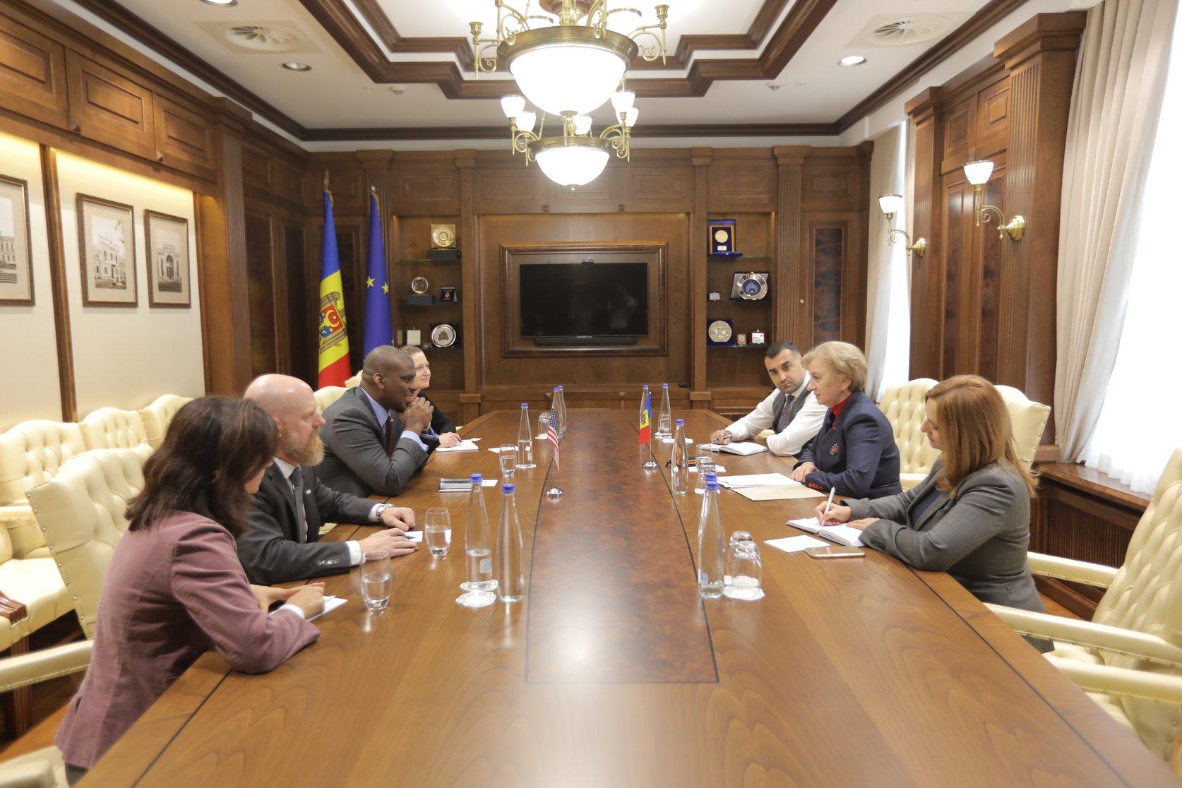 Зинаида Гречаный встретилась с послом США и новым директором USAID в Молдове (ФОТО)