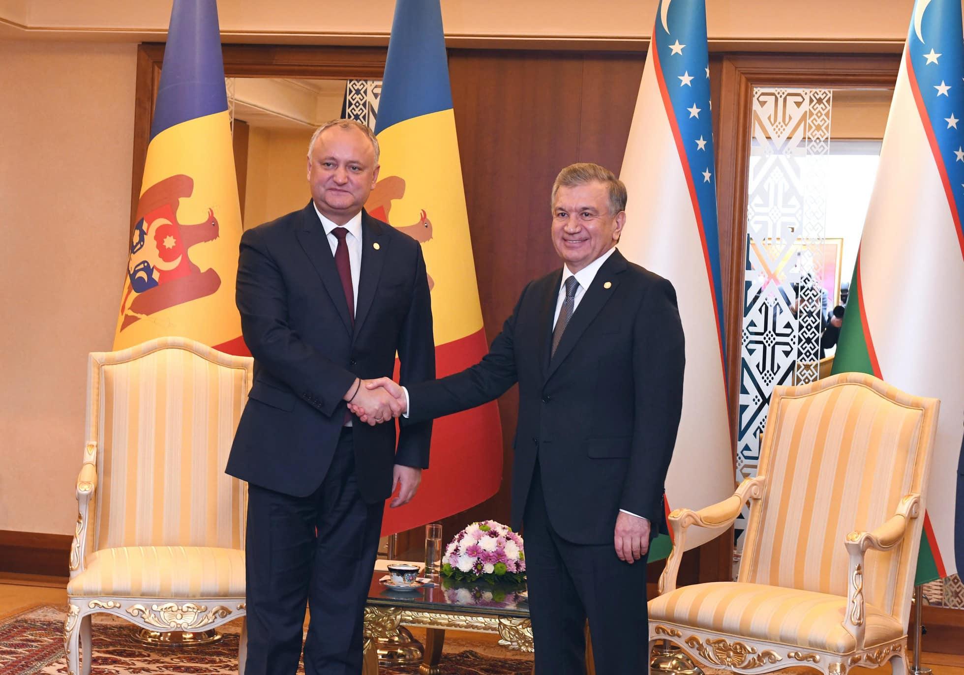 Глава государства провел встречу и с президентом Узбекистана (ФОТО, ВИДЕО)