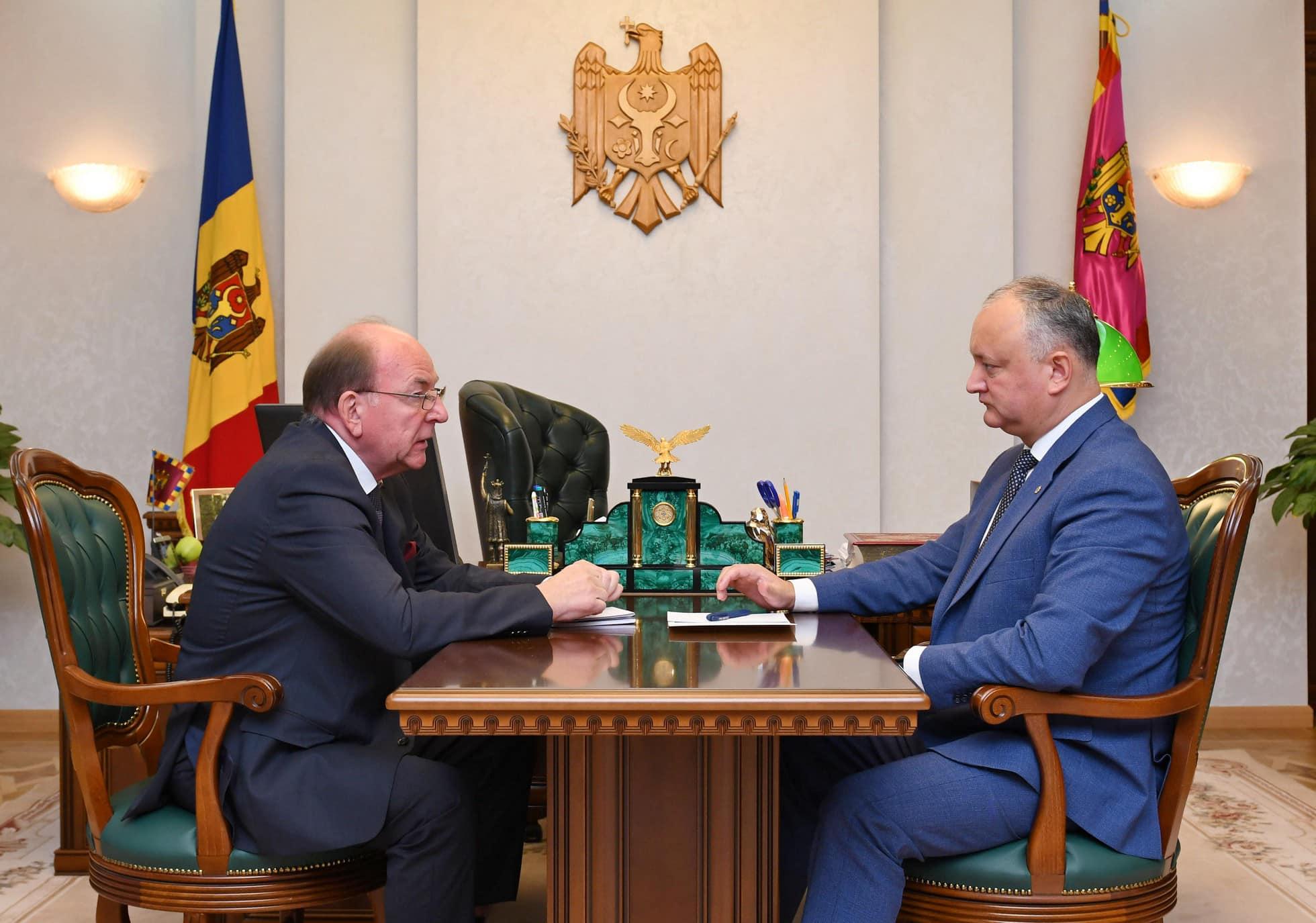 Игорь Додон обсудил вопросы молдавско-российского стратегического партнерства с послом РФ в РМ (ФОТО, ВИДЕО)