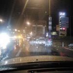Ночное ДТП в столице: BMW врезался в припаркованный на обочине грузовик (ВИДЕО)