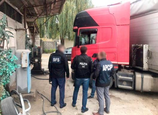Нелегально продавал топливо на заправках: экономический агент-нарушитель задержан (ФОТО)