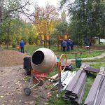Во дворах Ботаники продолжают устанавливать детские площадки