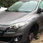 На Телецентре неизвестные сняли колёса с припаркованного во дворе авто