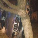 В Дурлештах пьяный водитель врезался в дерево, пытаясь сбежать от полиции (ФОТО, ВИДЕО)