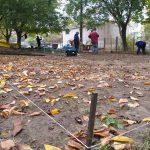 На Ботанике началась установка ещё одной детской площадки (ФОТО)