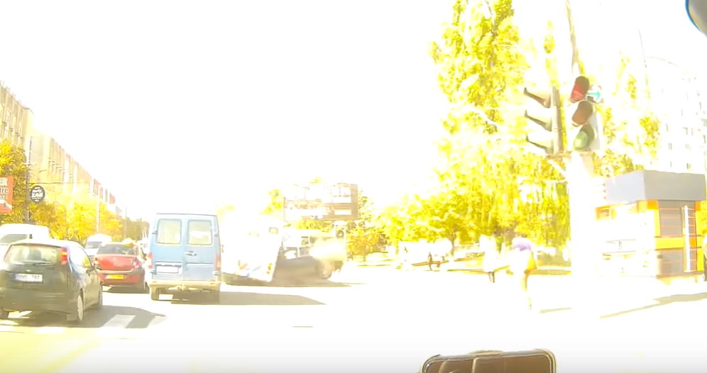 Авария на Буюканах: момент страшного столкновения попал на видео (18+)