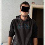 Ограбил прохожего, а деньги потратил: столичная полиция задержала подозреваемого (ВИДЕО)