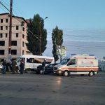 Утреннее ДТП в Кишиневе с участием маршрутки с пассажирами: есть пострадавшие