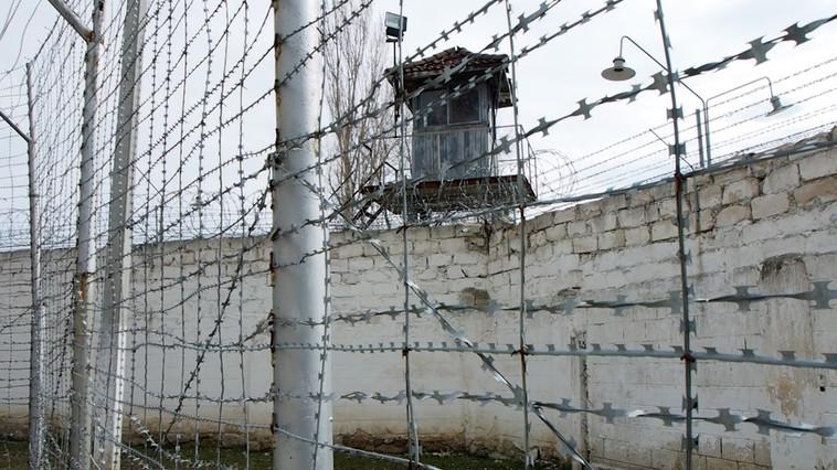 В тюрьме Липкан заключённый поджёг крышу