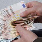 Вымогал 2 000 евро: сотрудники НАЦ задержали адвоката за извлечение выгоды из влияния