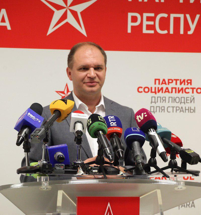"""Чебан предложил """"АКУМ"""" создать коалицию с социалистами в Мунсовете Кишинева, а Киронде и Цыку – возглавить два новых департамента в примарии (ВИДЕО)"""