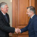 Премьер провел встречу с послом Венгрии в Молдове