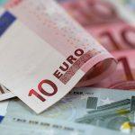 Курс валют в конце недели: евро и доллар продолжат расти