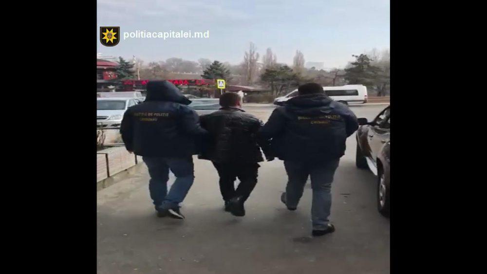 Столичная полиция задержала двух человек по подозрению в торговле несовершеннолетними (ВИДЕО)