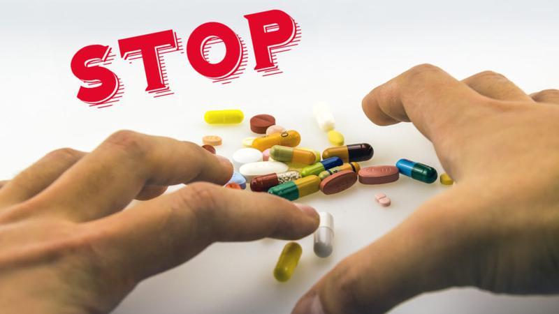 За неделю почти 2 десятка человек отравились лекарствами