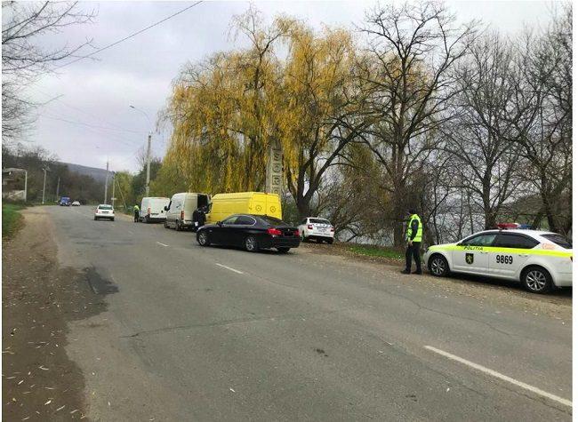 На трассе Кишинёв-Сорока проверили машины для грузопассажирских перевозок: некоторые из них остались без номеров (ФОТО)