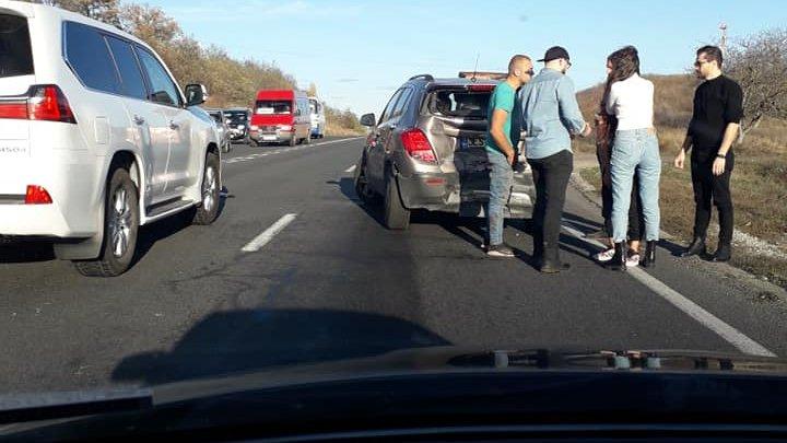 В Яловенах произошло ДТП с участием маршрутки: пострадавших нет (ФОТО)