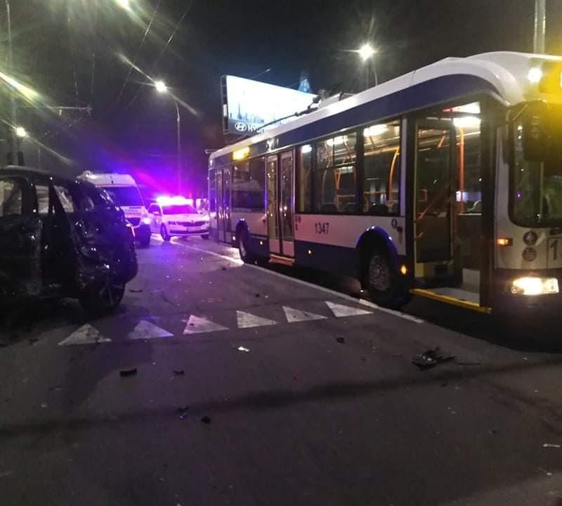 Подробности ДТП на Петрикань: одному из водителей понадобилась помощь врачей (ВИДЕО)