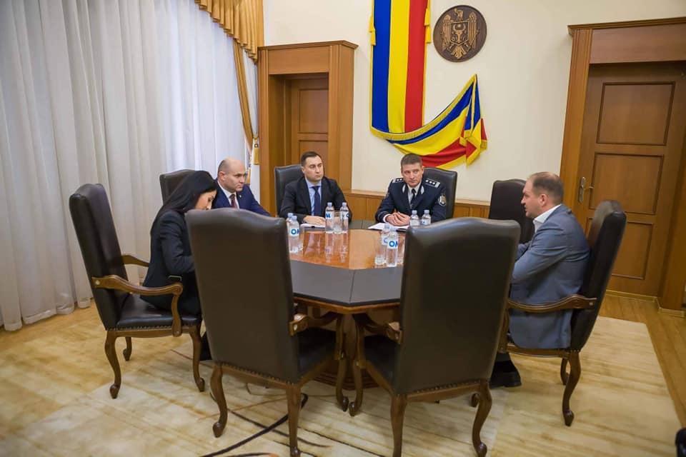 Чебан обсудил с министром внутренних дел вопросы общественного порядка в Кишинёве (ФОТО)