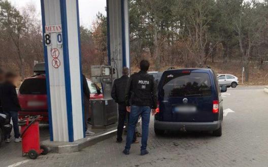 """Продавал """"левое"""" топливо: агенту-нарушителю грозит крупный штраф (ВИДЕО)"""