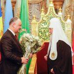 Додон поздравил патриарха Кирилла с днём рождения
