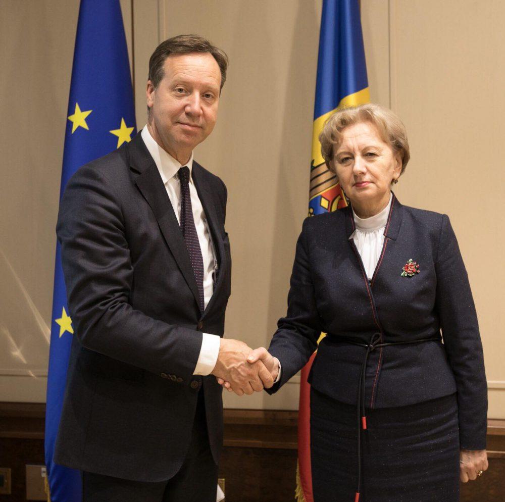 Спикер провела встречу с новым послом Нидерландов в Молдове